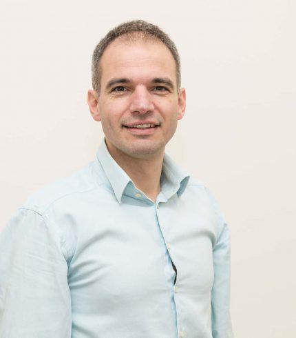 videntis-stomatolog-zagreb_dr-vidovic-portret-civil